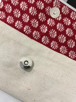 Single magnet snap