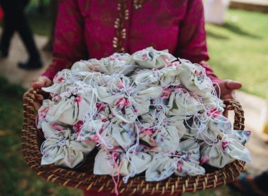 Flower pouches